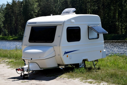 Wohnwagen Mit Etagenbett Und Festbett : Wohnwagen und wohnmobile mieten dresden vermietung